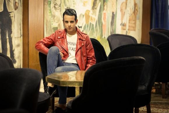 Alex Casanova | Pop antagónico